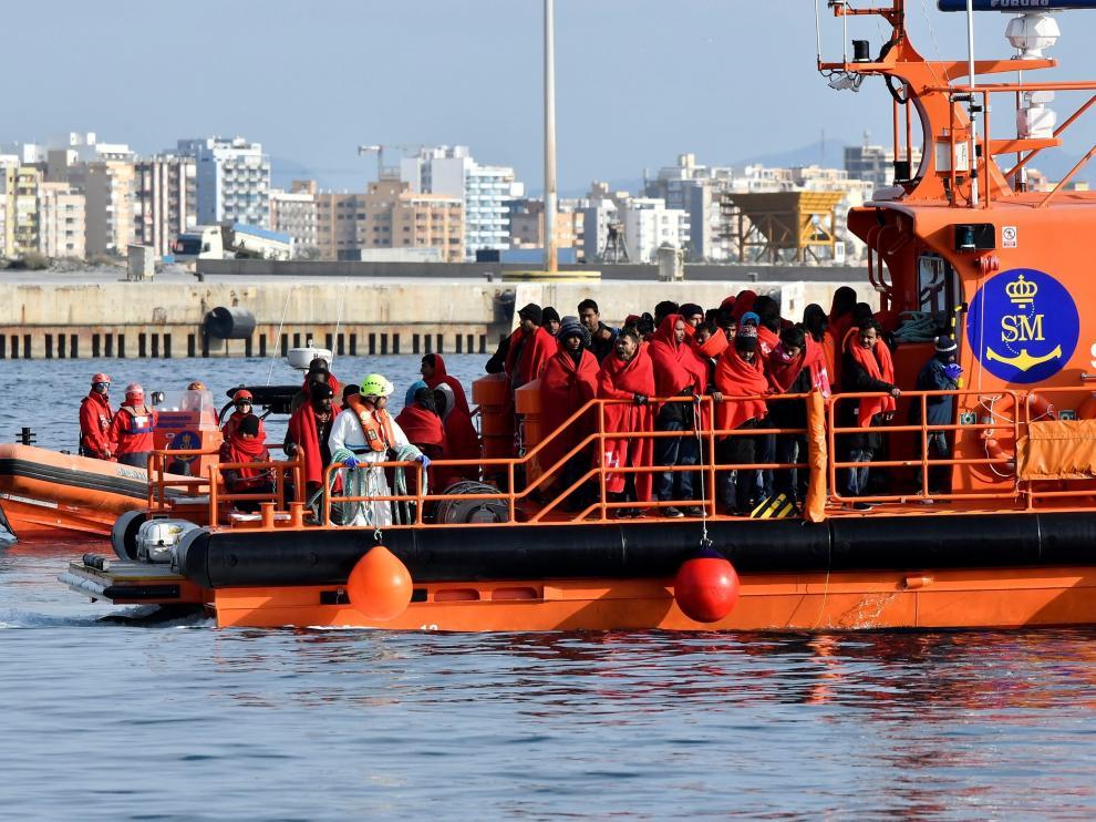 La Asociación Pro Derechos Humanos de Andalucía mantiene que la cifra de inmigrantes es perfectamente gestionable y en nada se parece a una invasión.