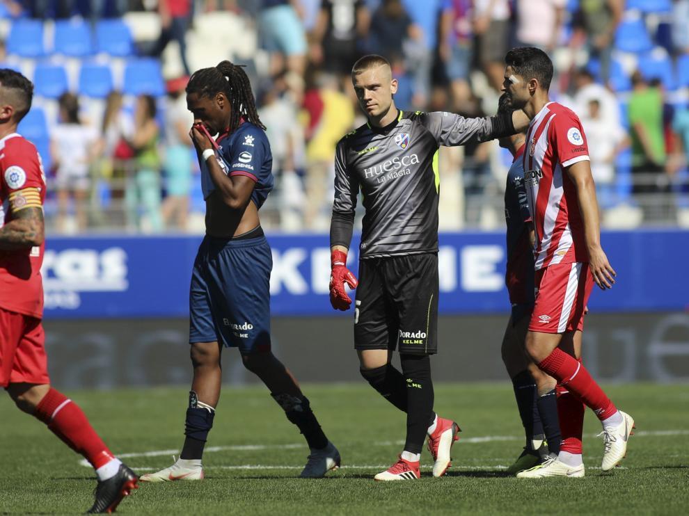 Semedo, se tapa la boca, en el partido contra el Girona.