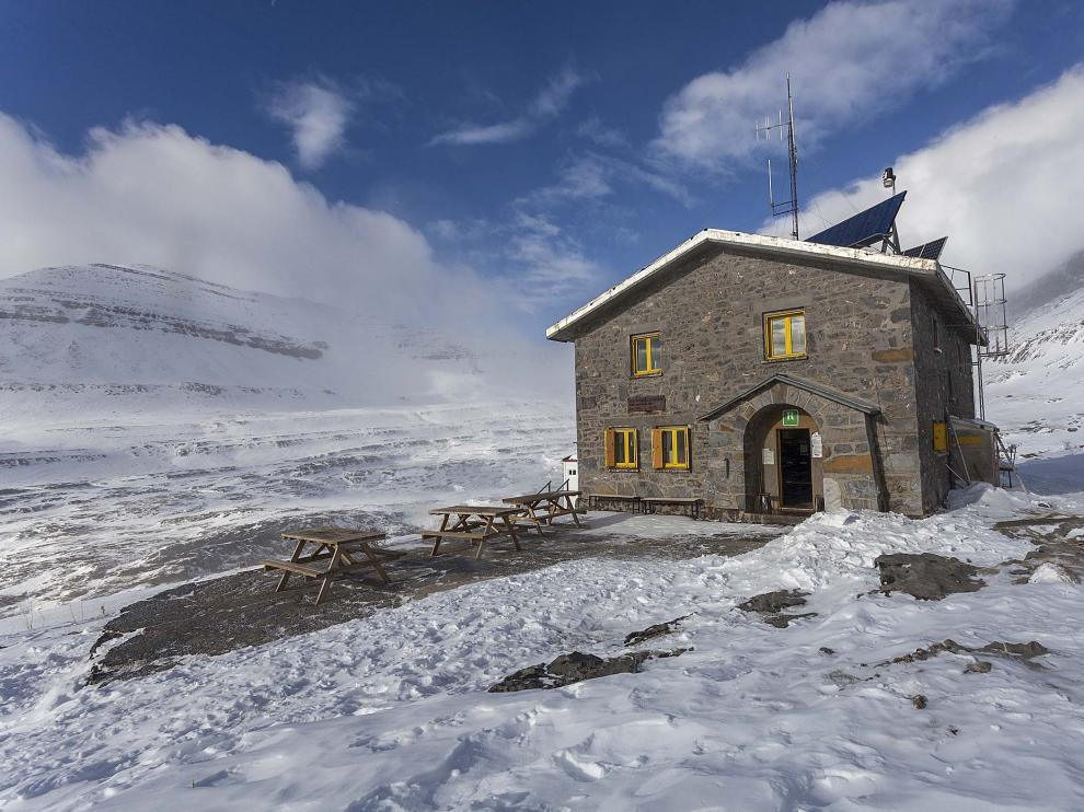 Estampa invernal del refugio de Góriz, en Parque Nacional de Ordesa y Monte Perdido.