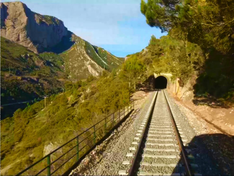'El viaje' de Aragón TV sorprende con la emisión íntegra del recorrido del Canfranero