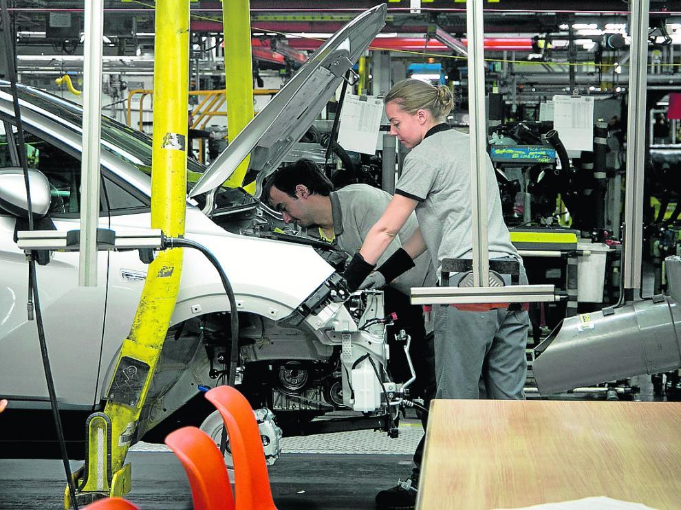 Cadena de montaje de Opel Figueruelas.