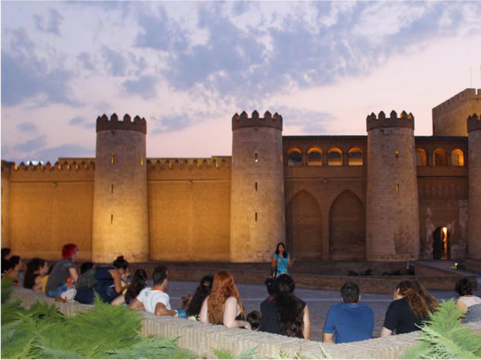 La Aljafería , sede de las Cortes de Aragón