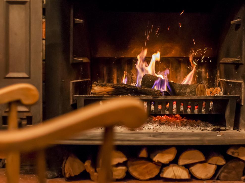 La chimenea es una opción perfecta para calentar una estancia, en el caso de que la vivienda disponga de ella.