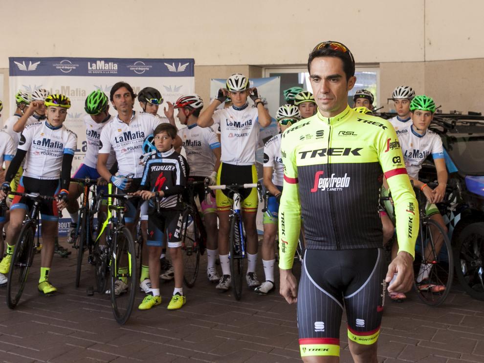 Alberto Contador, en una de sus visitas a Zaragoza.