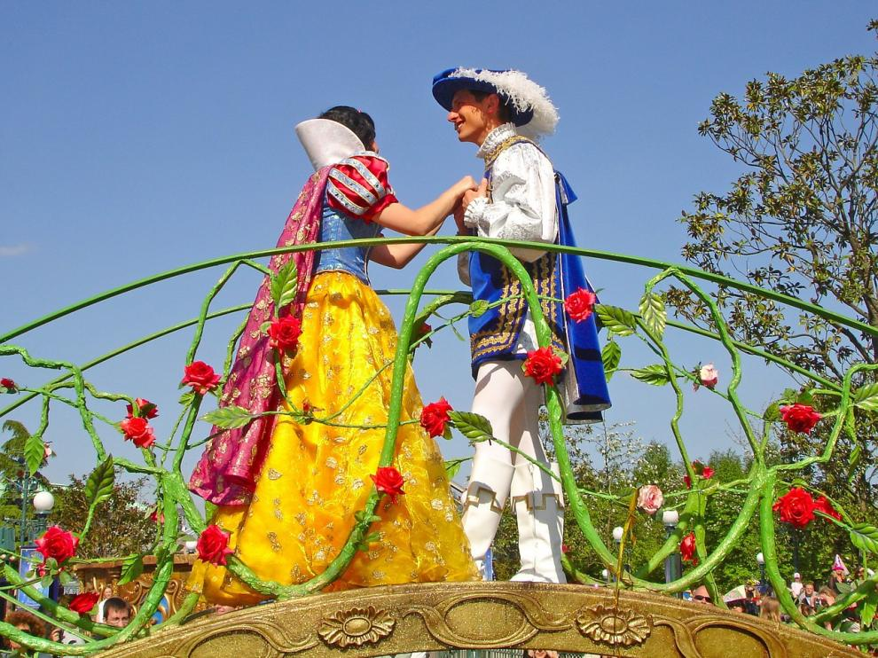 Representación de Blancanieves y el príncipe.