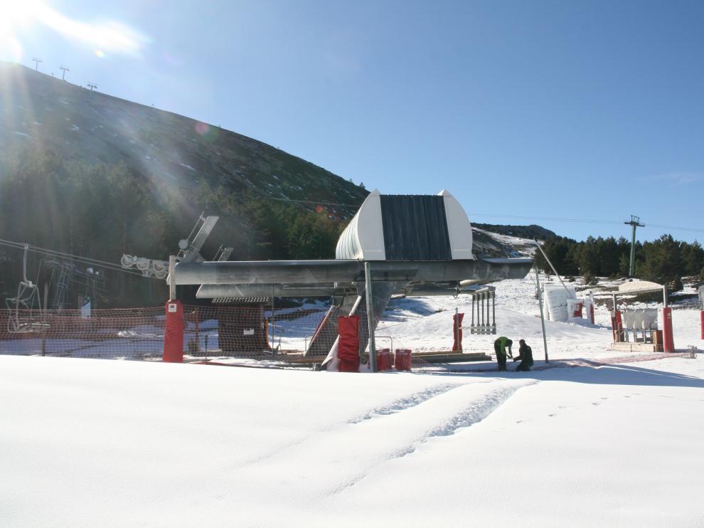 Últimos trabajos antes de abrir la estación de Javalambre esta temporada.