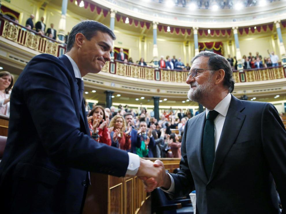Pedro Sánchez y Mariano Rajoy, durante la moción de censura del año pasado