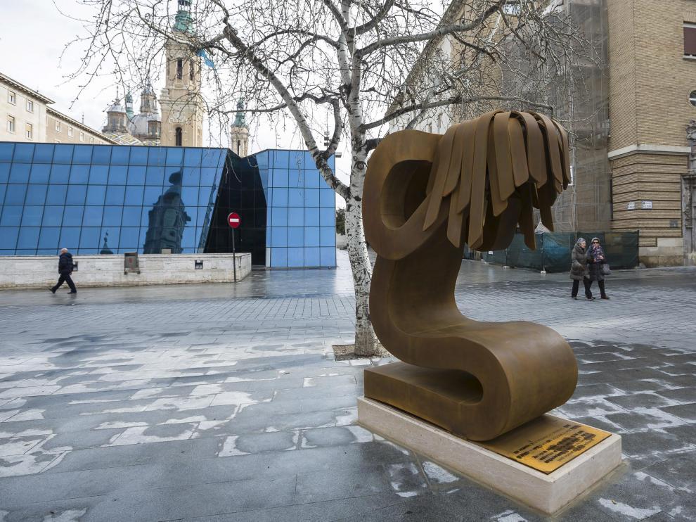 La estatua se retiró hace año y medio por las obras de reforma del Mercado Central.