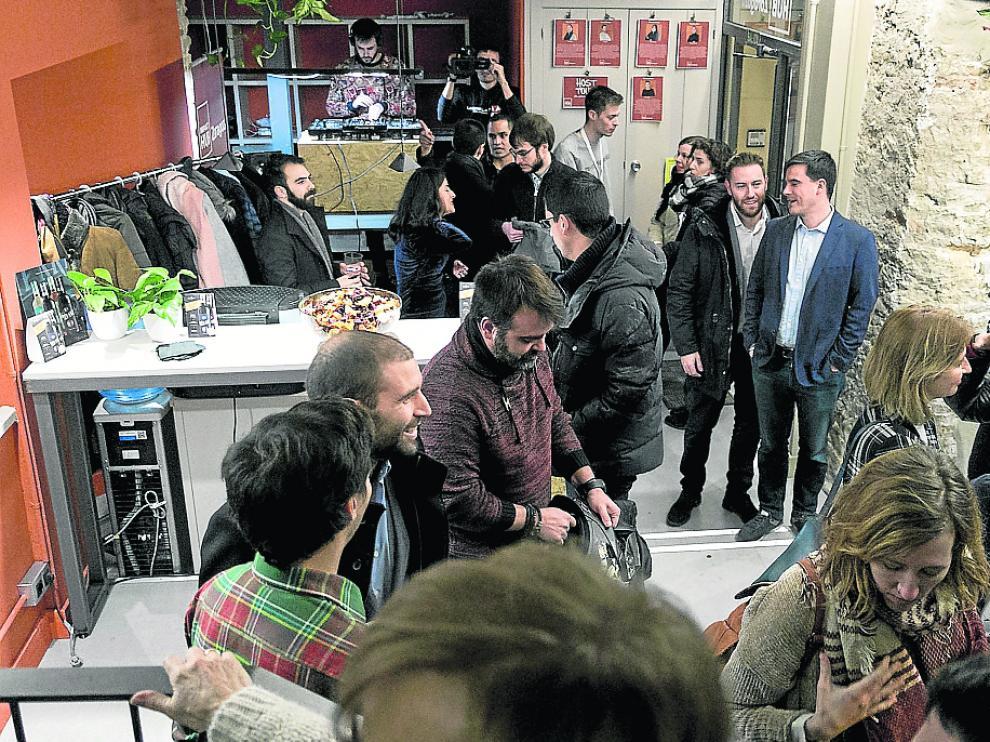 La inauguración del Impact Hub Zaragoza congregó a decenas de invitados.