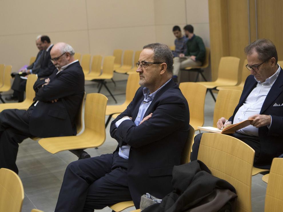 Los tres acusados que quedan en el banquillo del juicio de Plaza, Carlos Esco, Agapito Iglesias y Miguel Ángel Floría.
