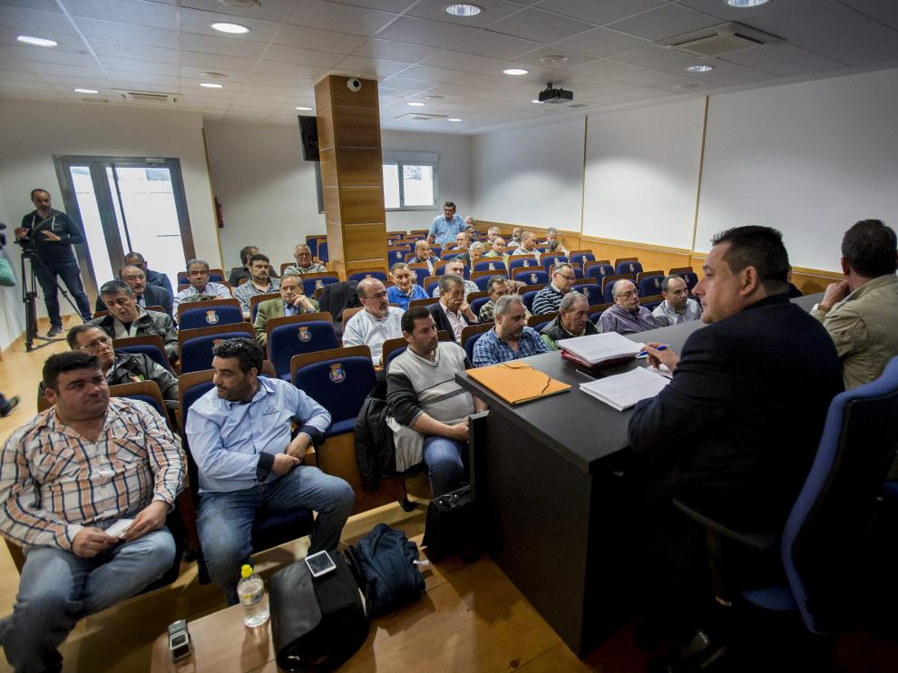 Imagen de una reunión de los clubes anterior sobre el nuevo modelo de cesión de los campos municipales