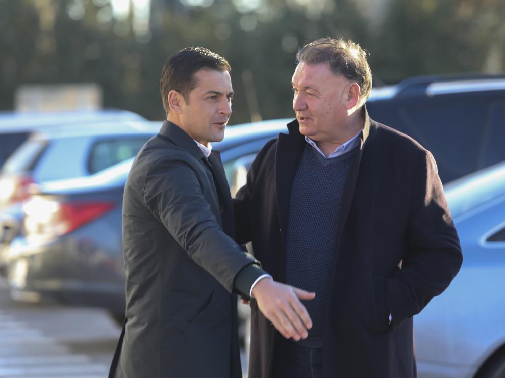 Francisco Rodríguez y Agustín Lasaosa conversan antes de partir hacia Leganés.