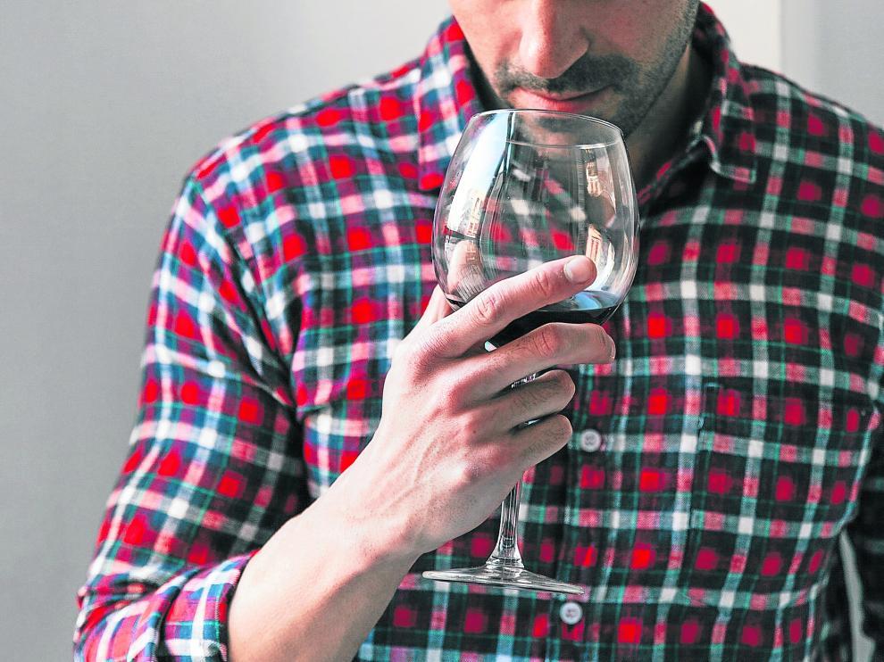 El vino contiene gran cantidad de antioxidantes y polifenoles.
