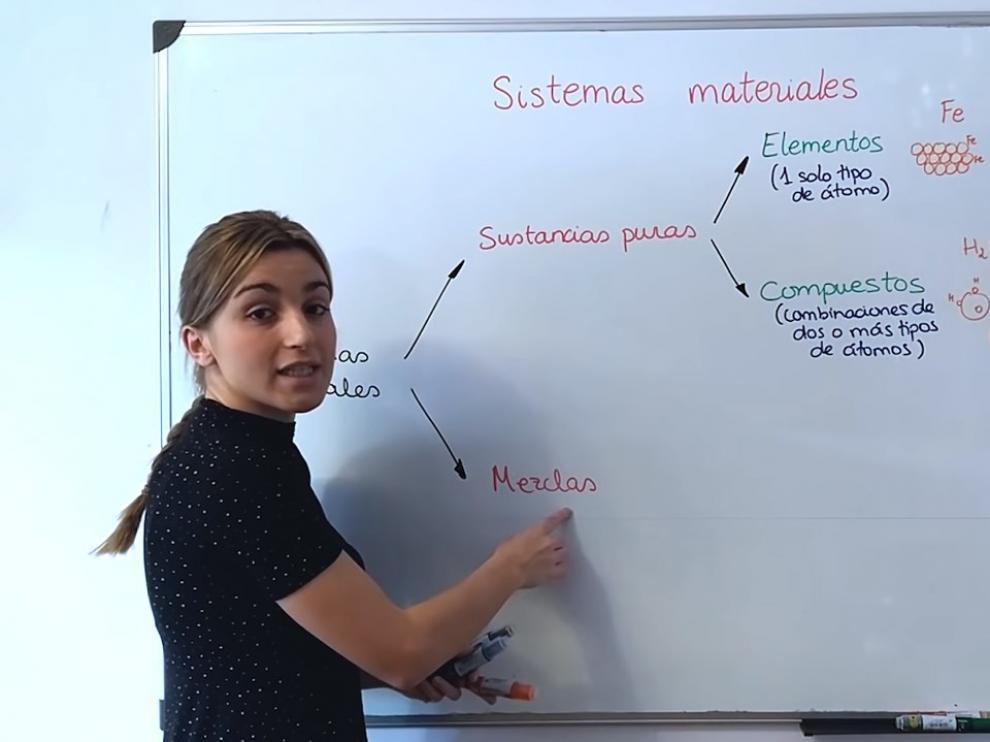 Marta Vitores, 'youtuber' zaragozana, tiene el canal 'Amigos de la química'.