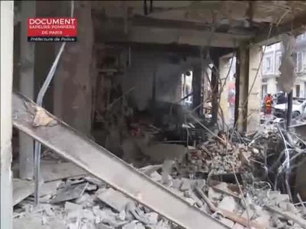 Escenario de guerra en París tras una fuerte explosión de gas en una panadería