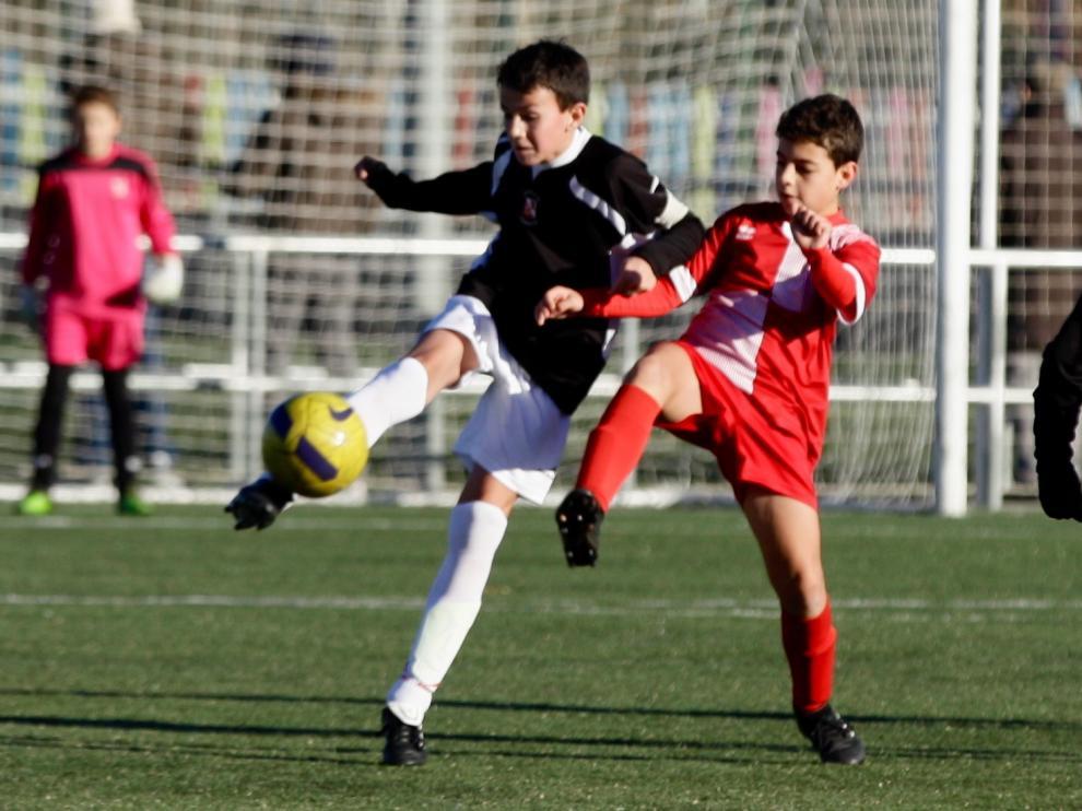 El Actur Pablo Iglesias acabó cosechando un empate pese a su mal partido ante el Stadium Venecia