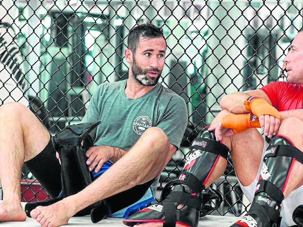 Jorge Blanco, con George St Pierre, campeón del mundo en artes marciales mixtas.
