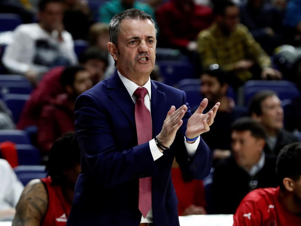 Porfirio Fisac, entrenador del Tecnyconta Zaragoza, durante el partido contra el Madrid.