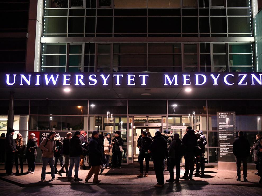 El alcalde de Gdansk se encuentra en estado grave tras el ataque.