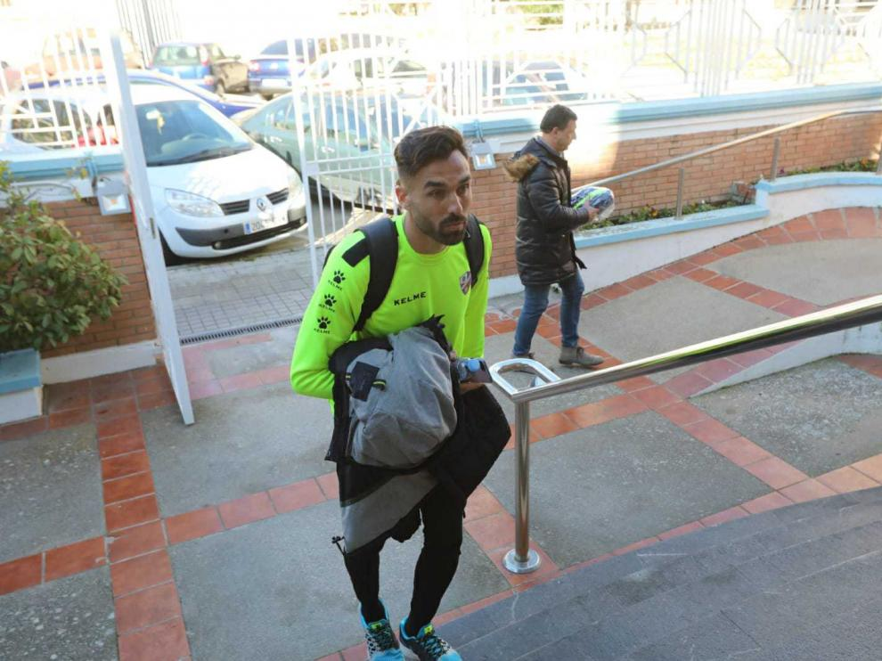 Enric Gallego se ha sometido después de entrenar a los reconocimientos médicos.