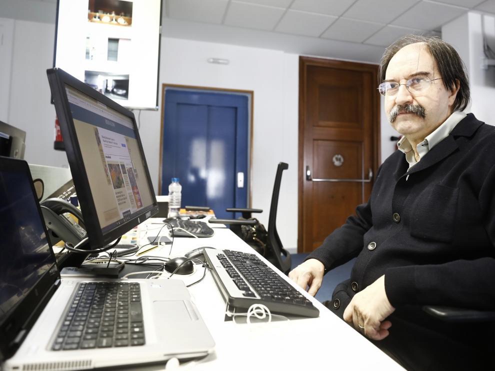 Miguel Calvo responde a los lectores de Heraldo.es en la redacción.