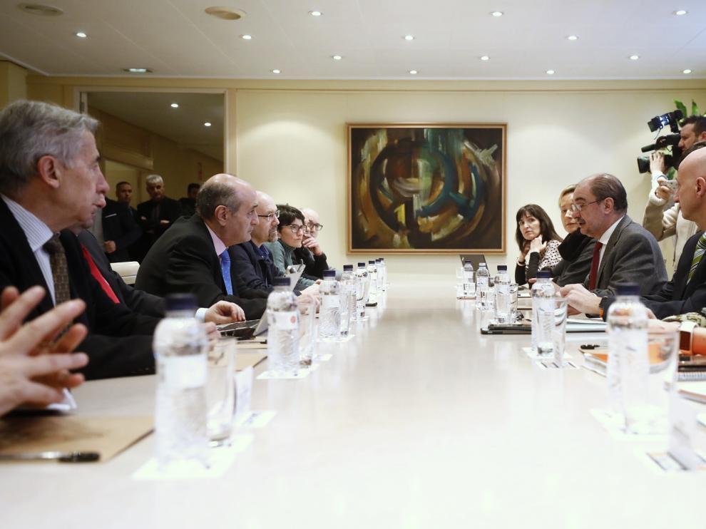 Inicio de la reunión de la Mesa del Diálogo Social en Aragón.