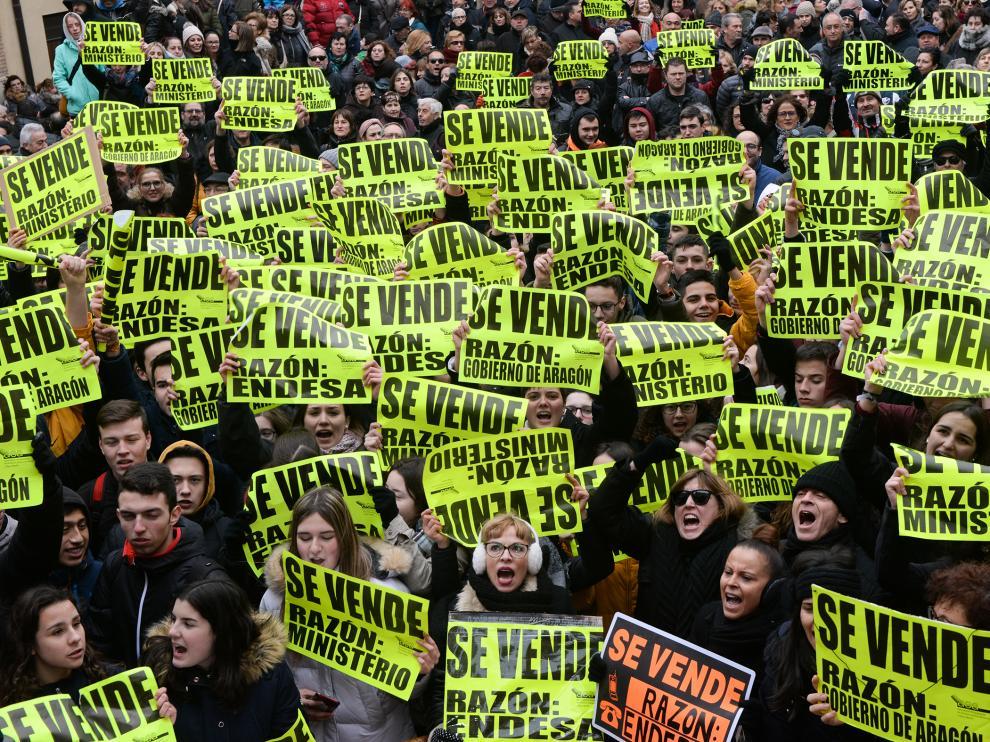 Protesta en Andorra por el cierre de la central térmica