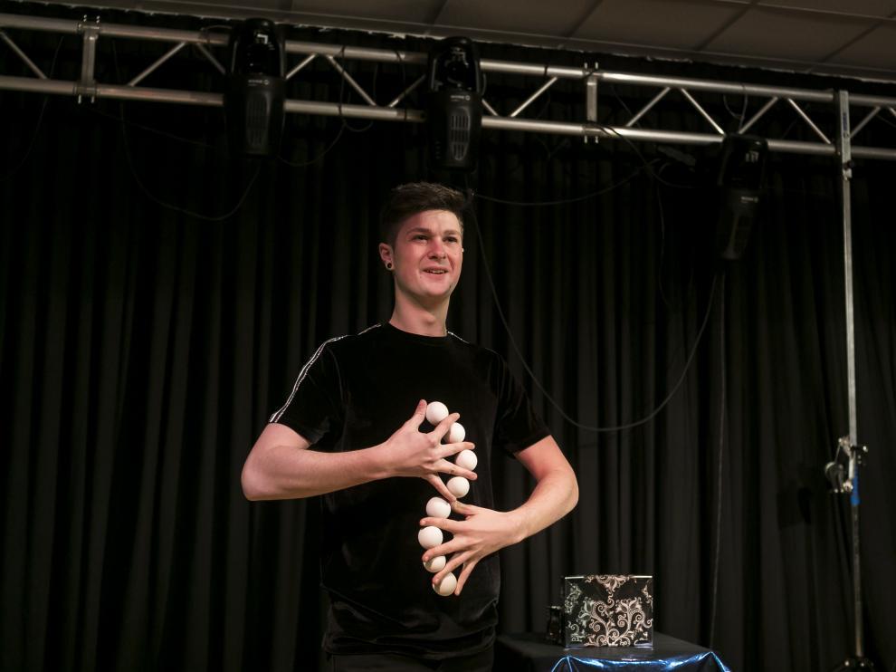 Oihan el Mago, durante uno de los ensayos para su espectáculo