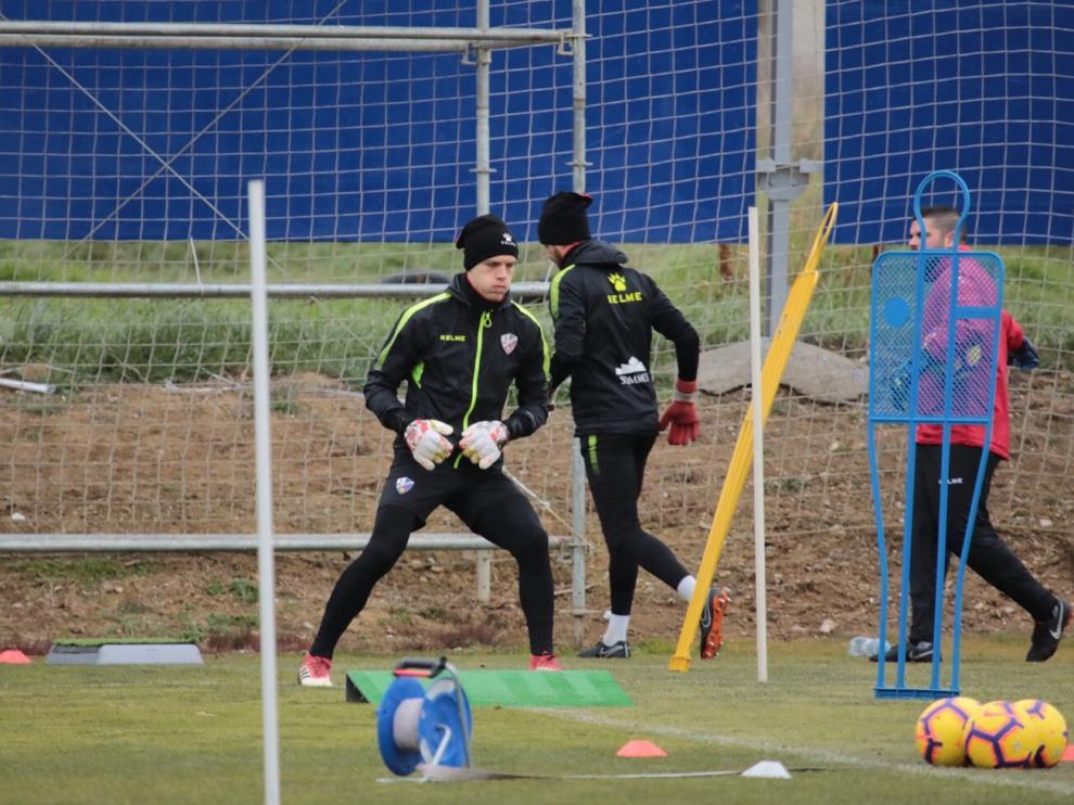Jovanovic y Santamaría, durante el entrenamiento de este miércoles en el Instituto Montearagón.