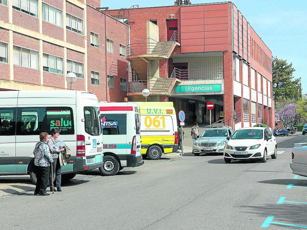 Zona de parada de ambulancias y transporte sanitario del hospital Obispo Polanco de Teruel