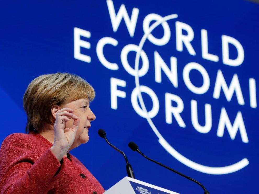 Merkel es uno de los pocos líderes mundiales que acude este año al Foro de Davos.