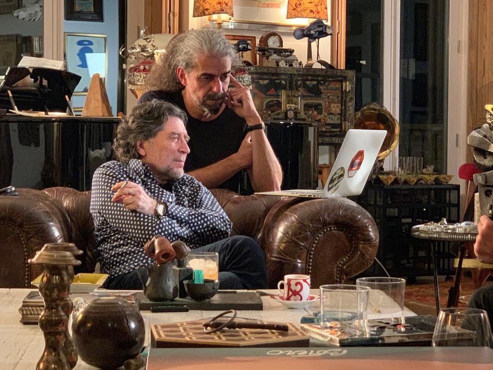 El director y guionista Fernando León de Aranoa, junto al cantante Joaquín Sabina.