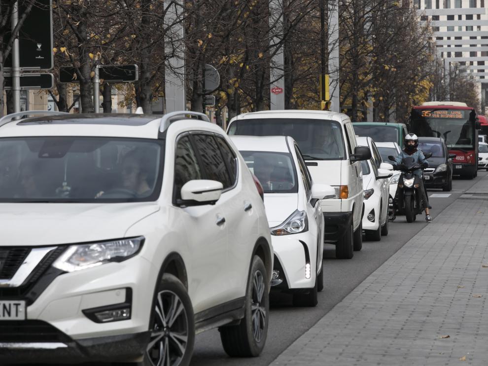 Las matriculaciones de coches de gasolina aumentan frente a la caída del diésel.