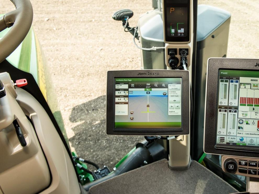 La maquinaria agrícola ya está dotada de moderna tecnología que consigue que las labores agrícolas sean más precisas y eficientes.