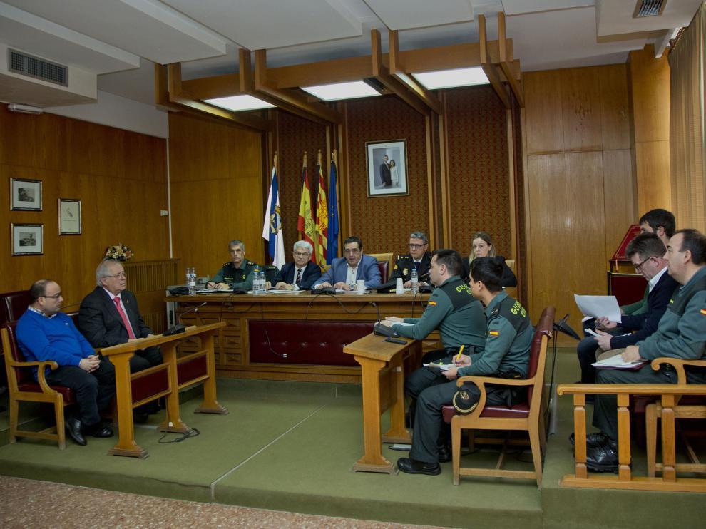 Reunión celebrada en el ayuntamiento de Épila este jueves.