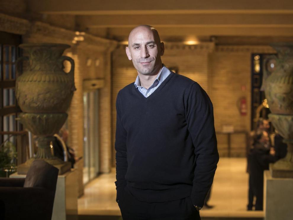 Luis Rubiales, el pasado viernes, posa para HERALDO en el Hotel Palafox de Zaragoza.