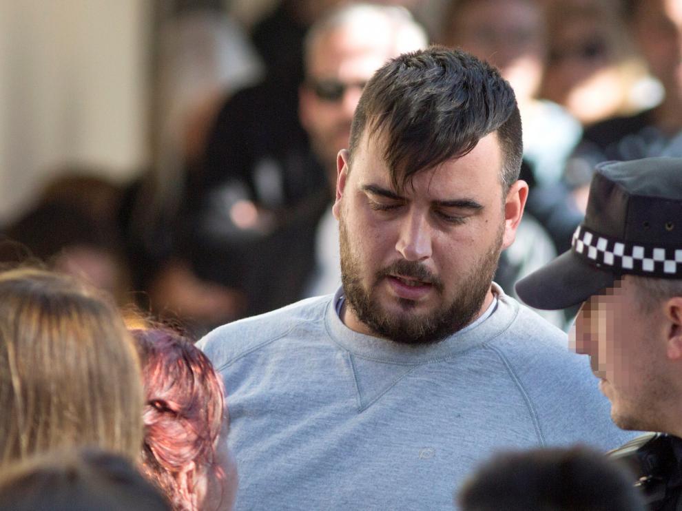 El padre de Julen en el tanatorio de Málaga tras la muerte de su hijo.