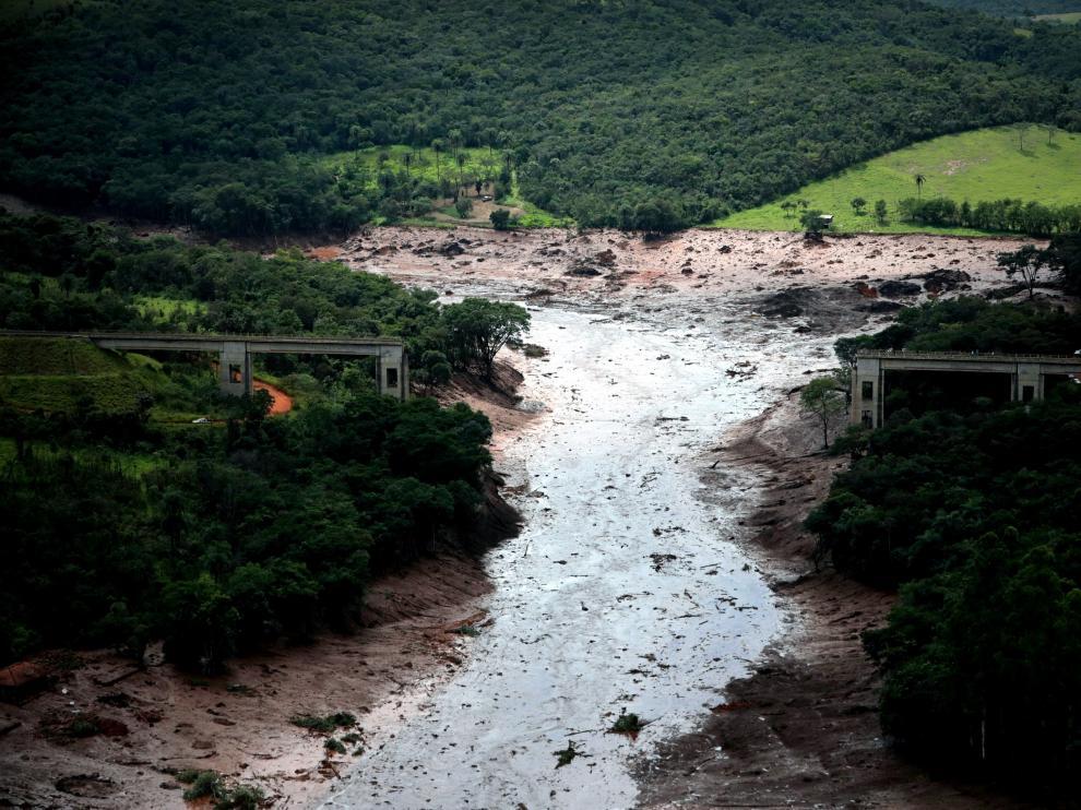 Efectos de la rotura de una presa en Brasil