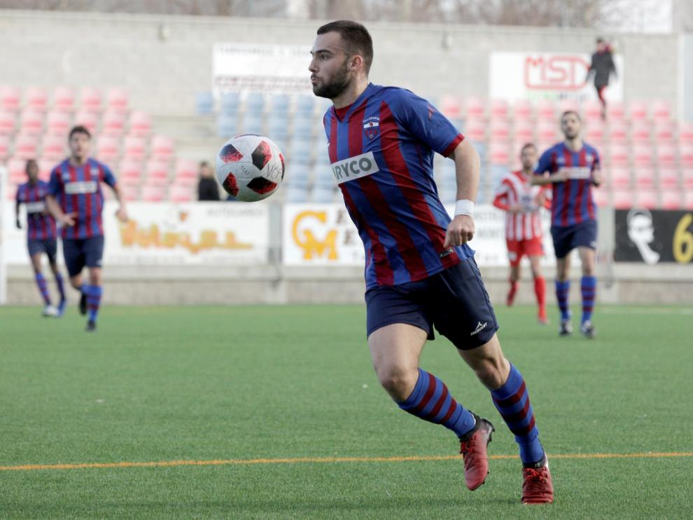Fútbol. Tercera División- Villanueva vs. Monzón.