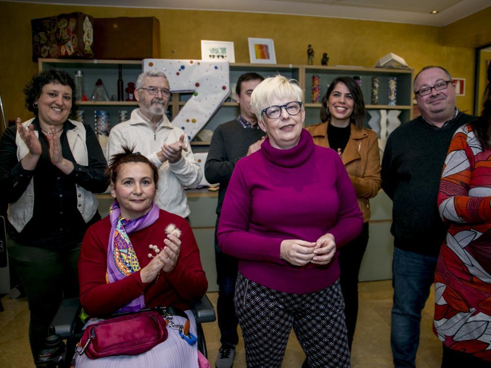 Pilar Vaquero, en el centro, con otros miembros de la candidatura de Podemos en Común, este domingo en el acto de presentación de su proyecto.