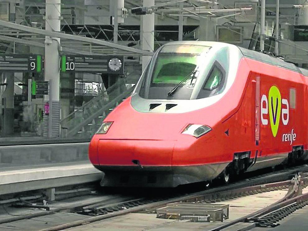 Recreación del AVE de bajo coste, denominado EVA, que presentó el Gobierno del PP hace ahora un año para la línea Madrid-Barcelona.