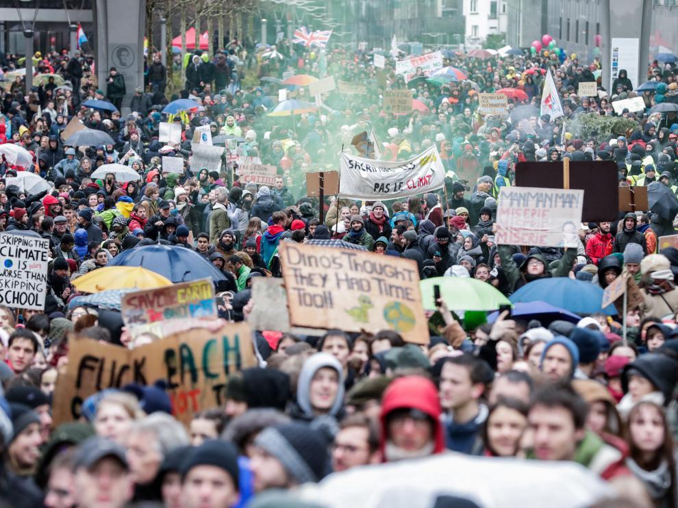 Manifestación multitudinaria en Bruselas contra el cambio climático.