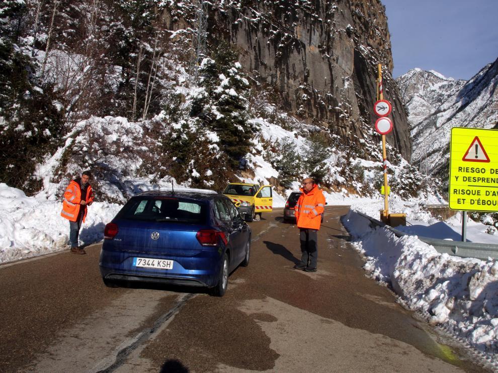 En los últimos días la nieve ha complicado el tráfico en numerosas carreteras del Pirineo.