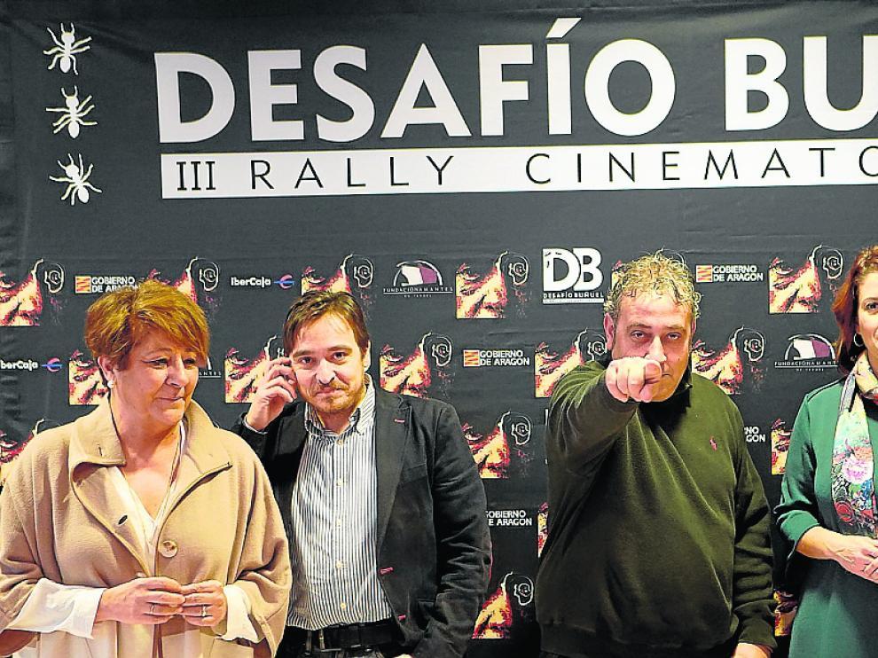Pimpi López –en el centro–, arropado por patrocinadores, presentó el nuevo Desafío Buñuel
