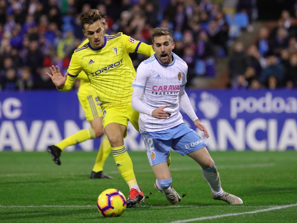 Brian Oliván, durante el partido del Cádiz en Zaragoza de hace unas semanas.