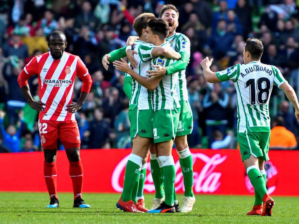 Los futbolistas del Betis celebran un gol en el Benito Villamarín.