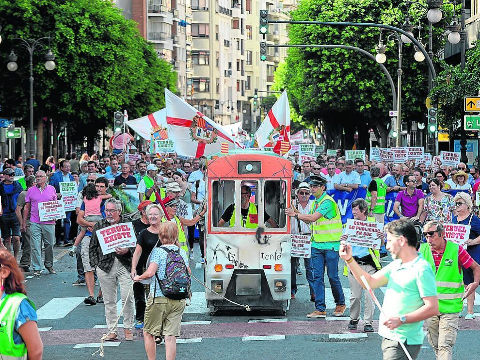 Manifestación en Valencia el pasado octubre para reclamar el corredor Cantábrico-Mediterrráneo.