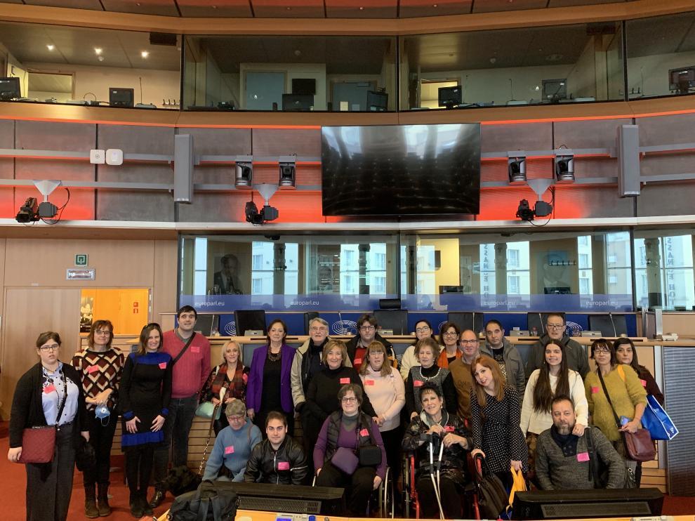 Los ganadores del concurso durante la visita al Parlamento Europeo.