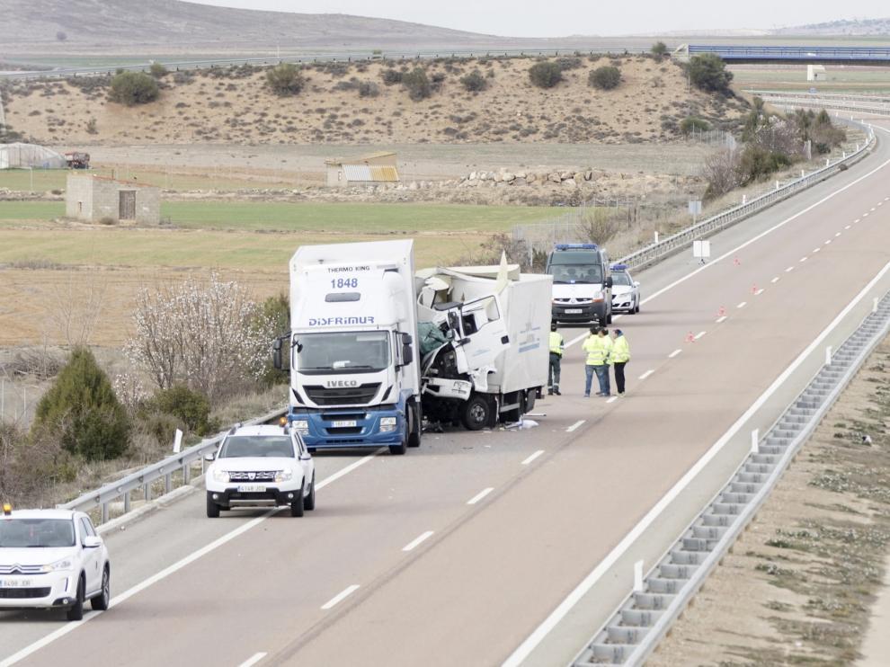 Imagen de archivo de un accidente entre dos camiones en la Autovía Mudéjar.