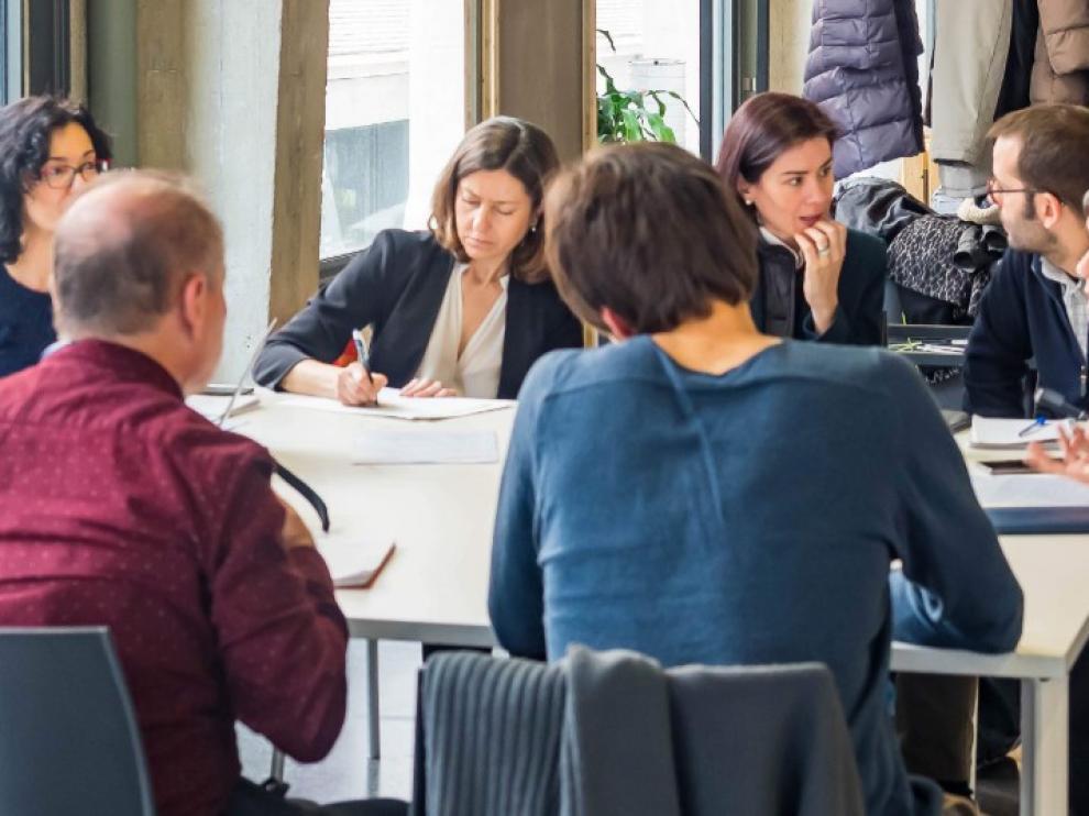 Grupo de trabajo en la cuarta reunión de expertos de ciencia ciudadana, en Medialab Prado
